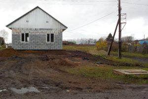 Светлане Аринушкиной вручили ключи от нового дома, который возведён на месте сгоревшего.