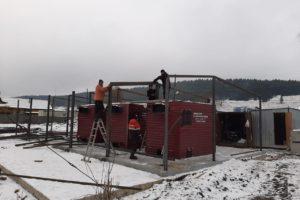 Продолжается монтаж мобильного теплового пункта для жителей п. Сарана.