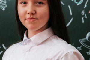 Анна Петрова, десятиклассница из Нижнеиргинского, стала призёром «СОФИУМа»