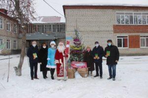 Благотворительный фонд «Малая родина» Альберта Абзалова проводит ежегодные новогодние акции в социально-реабилитационных центрах, расположенных на территориях Артинского, Ачитского городских округов, в городе Красноуфимске и Красноуфимском районе