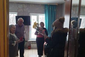 В разных населённых пунктах Красноуфимского района супружеским парам, шагающим по жизни рука об руку 50 и более лет, вручены знаки отличия Свердловской области
